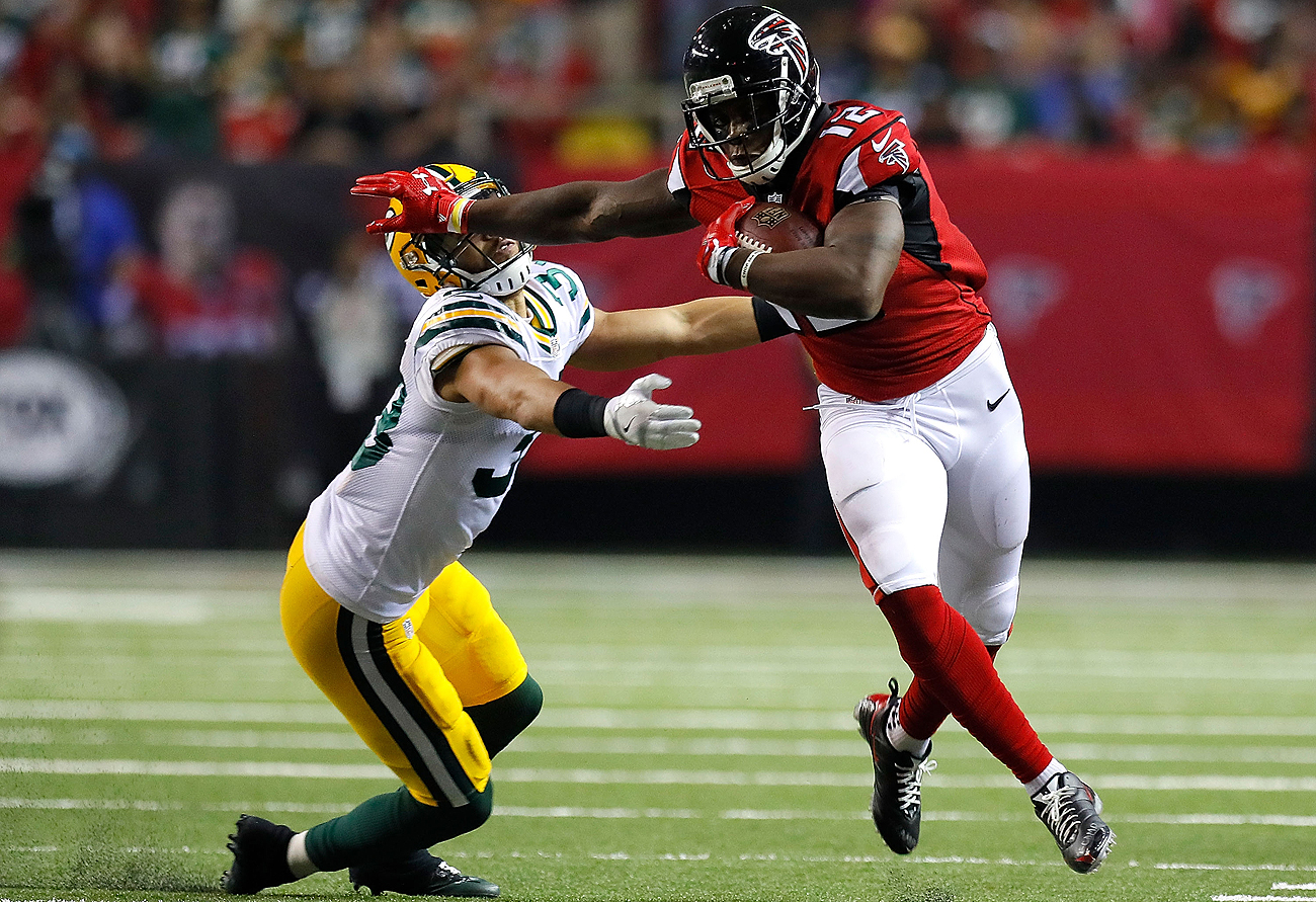 Mohamed Sanu led the Falcons with nine catches for 84 yards against the Packers.