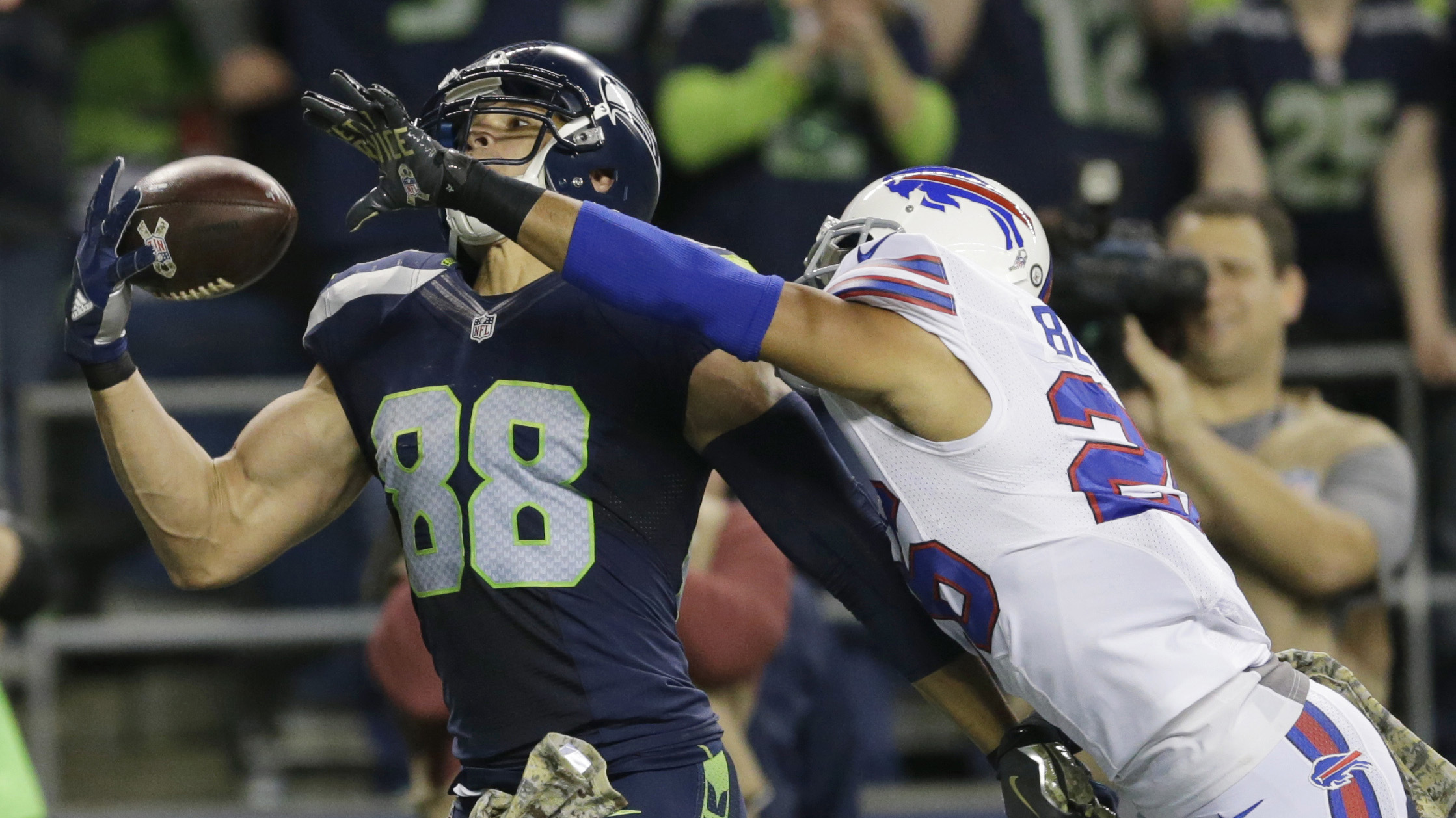 Seahawks Bills Jimmy Graham has two touchdowns video