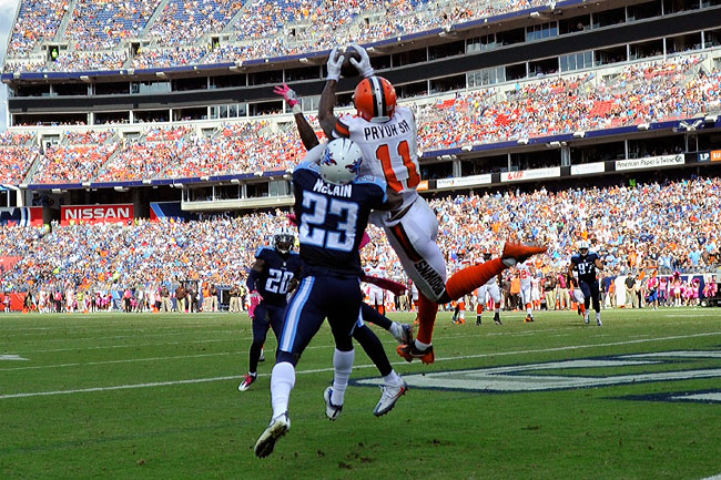 Pryor catches a touchdown over the Titans' Brice McCain in Week 6.