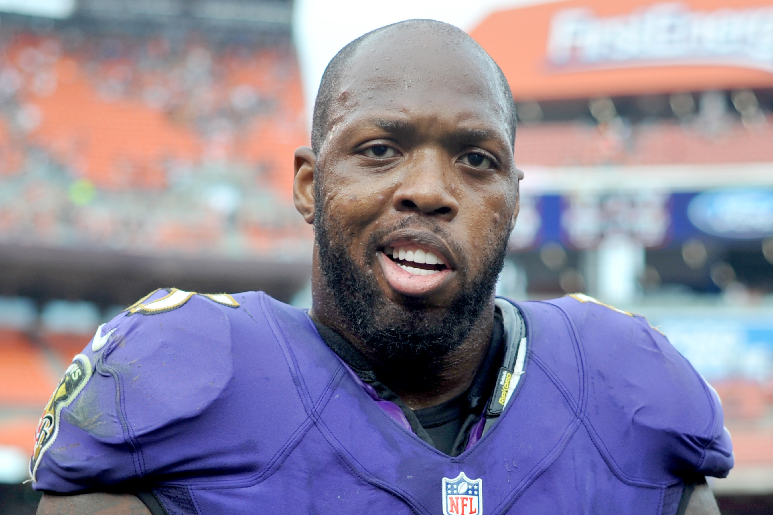 Watch Terrell Suggs posed as a reporter to have a little fun with