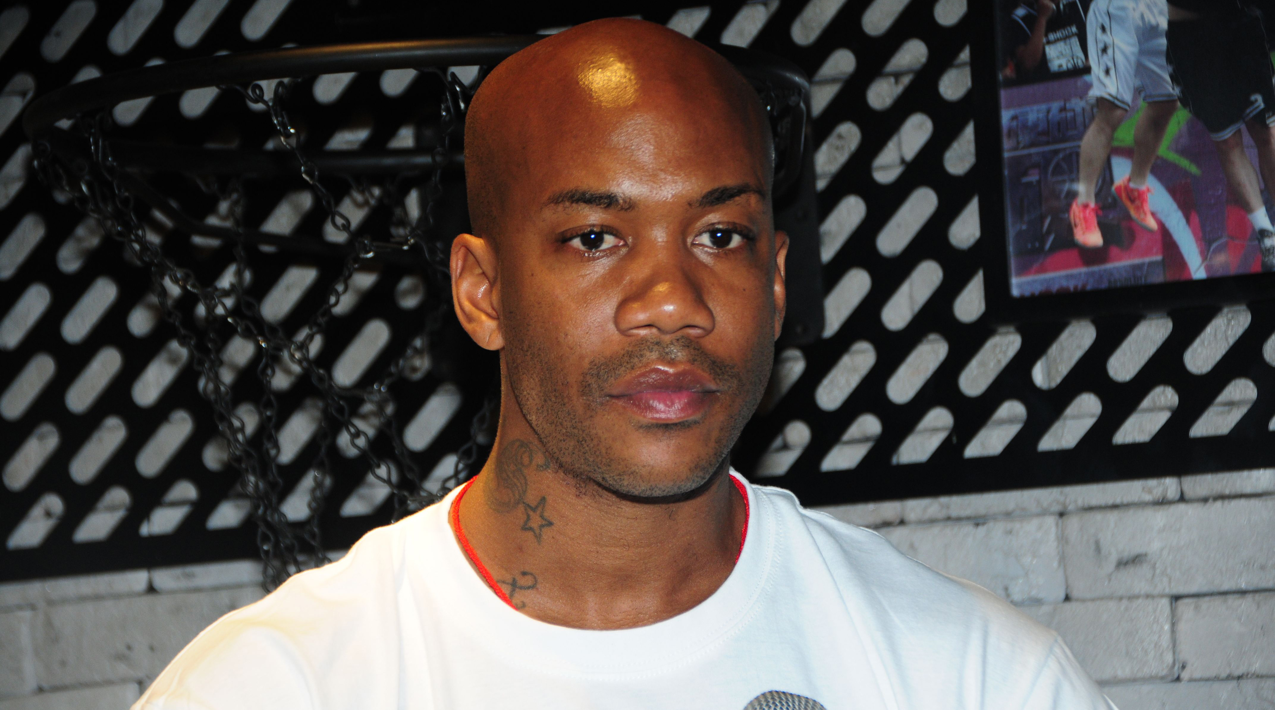 Stephon Marbury releases shoes that light up with iPhone app