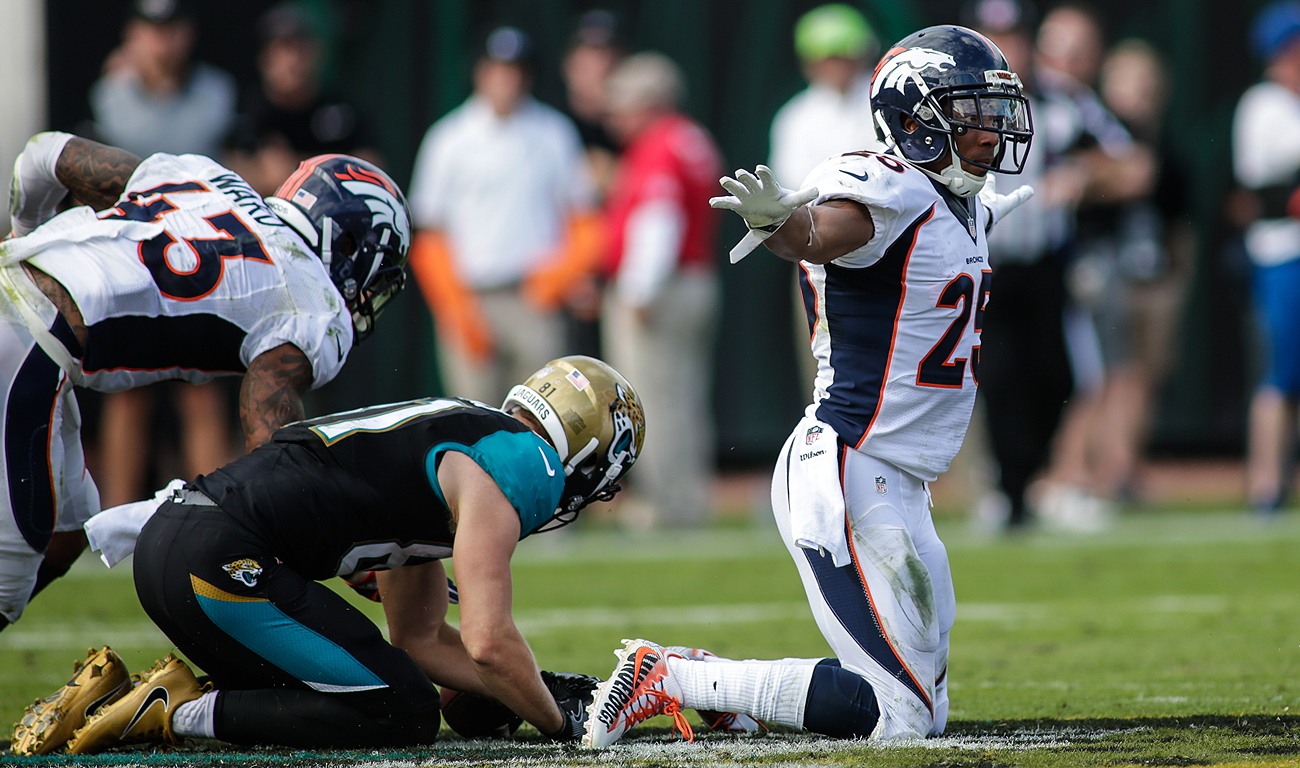 Chris Harris Jr. and the Broncos defense led the team to an important road win Sunday.