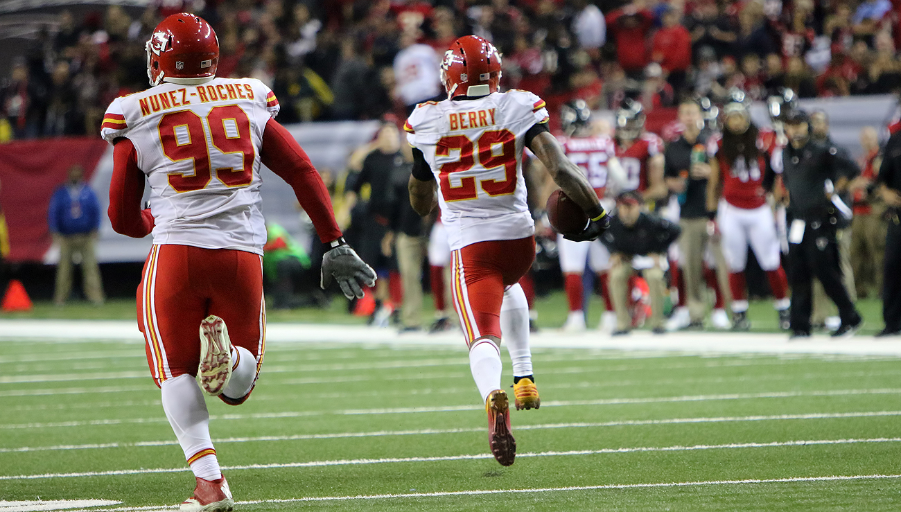 Two scoring returns by Eric Berry lifted the Chiefs over the Falcons on Sunday.