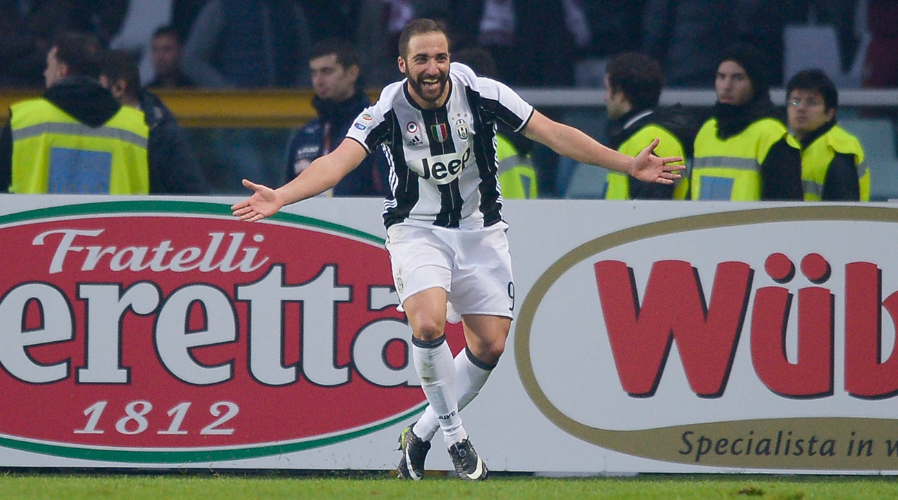Gonzalo Higuain leads Juventus over rival Torino