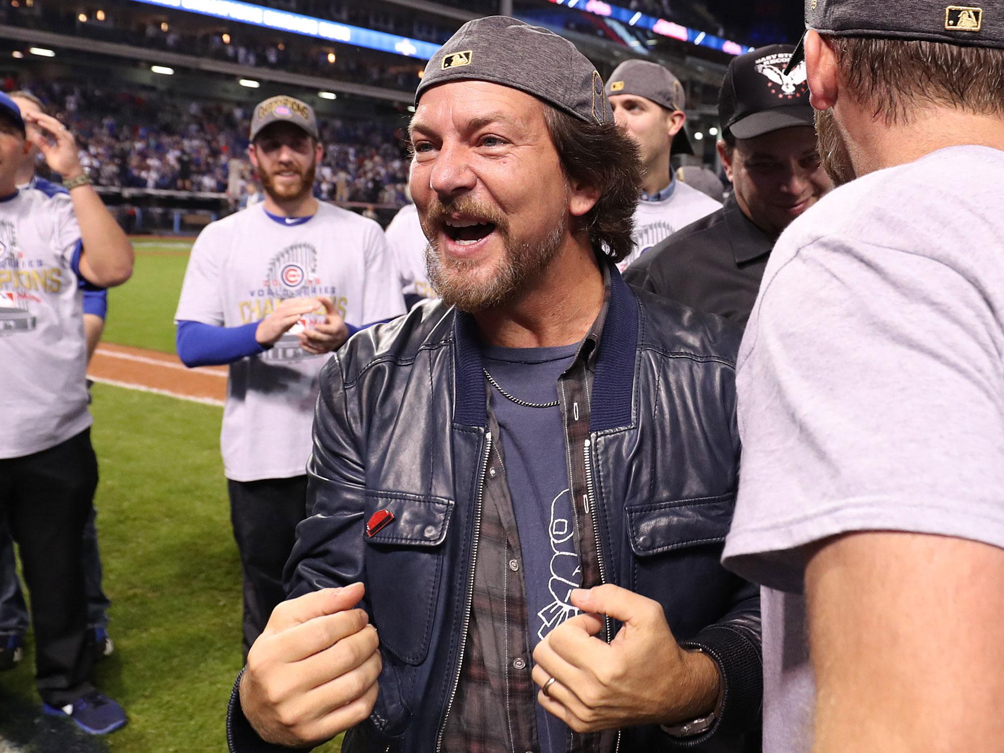 Eddie Vedder, Chicago Cubs fan