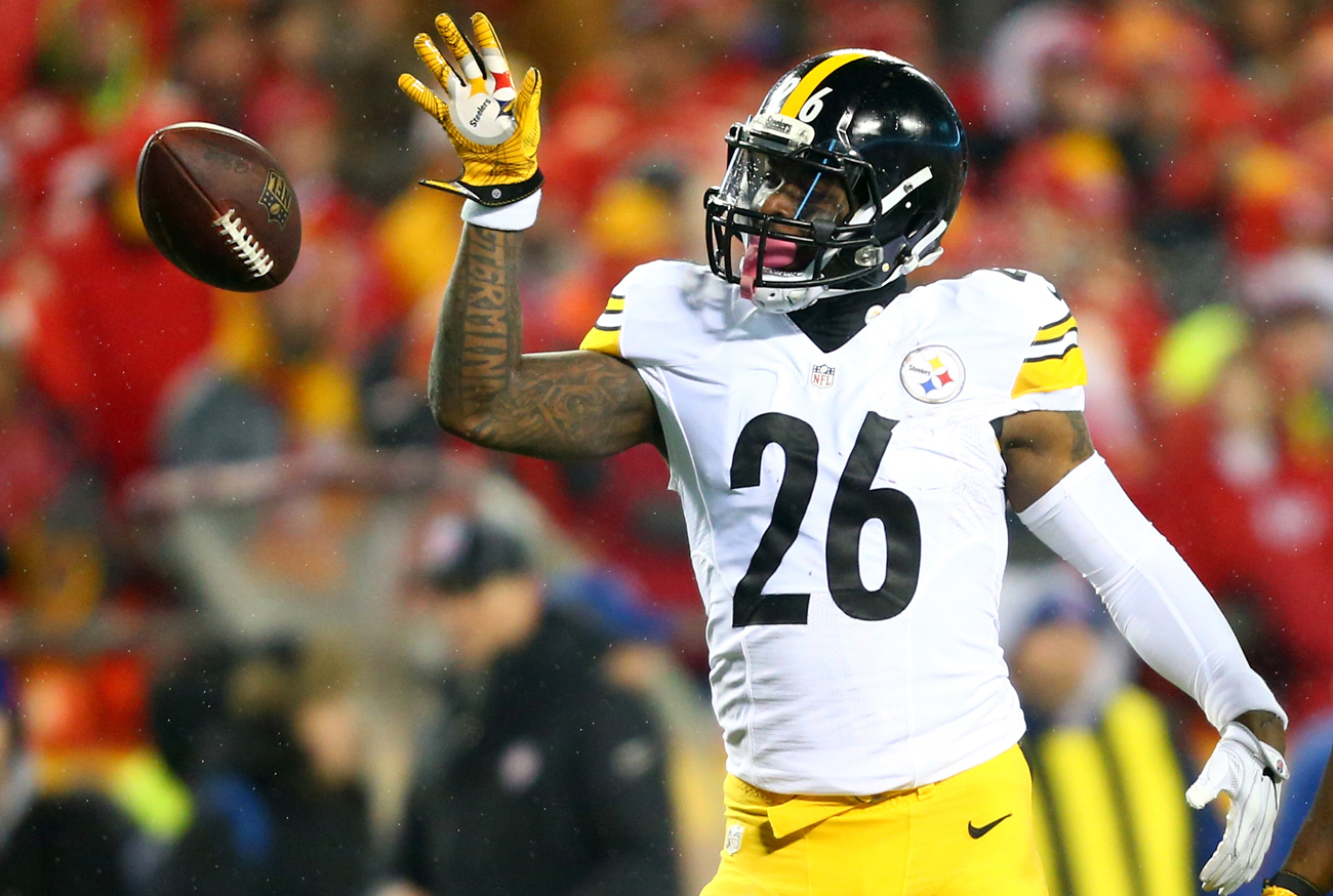 Le'Veon Bell piled up first downs for the Steelers, but the offense struggled to find the end zone against the Chiefs.