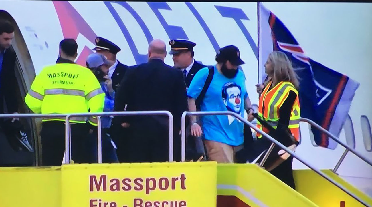 Matt Patricia wears Roger Goodell clown shirt (photos) | SI.com