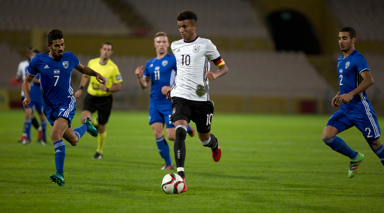 Timothy Tillman is a German-American prospect at Bayern Munich