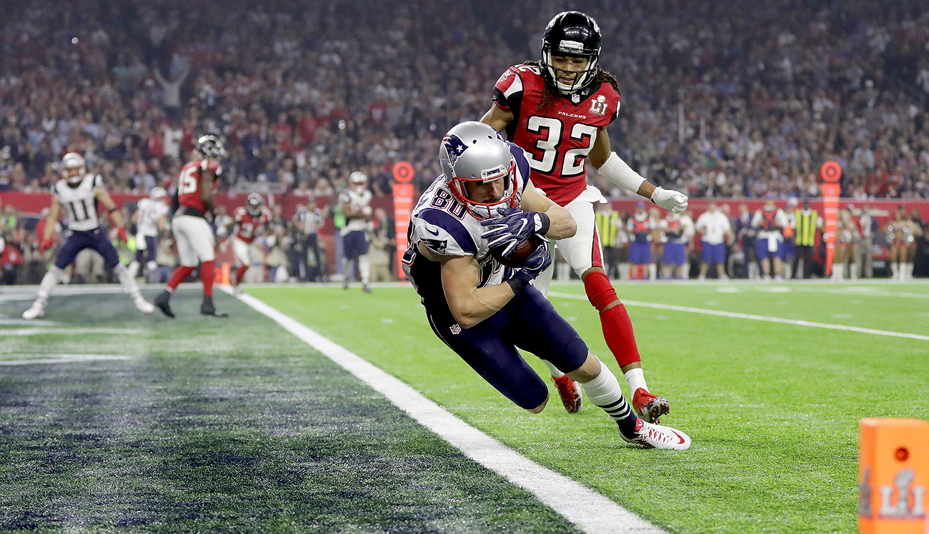 The Patriots caught Falcons cornerback Jalen Collins out of position on Danny Amendola's fourth-quarter touchdown catch.