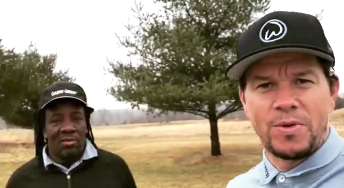 Golfers -- and celebs like Mark Wahlberg -- are taking advantage of this unusually warm weather and hitting the links.
