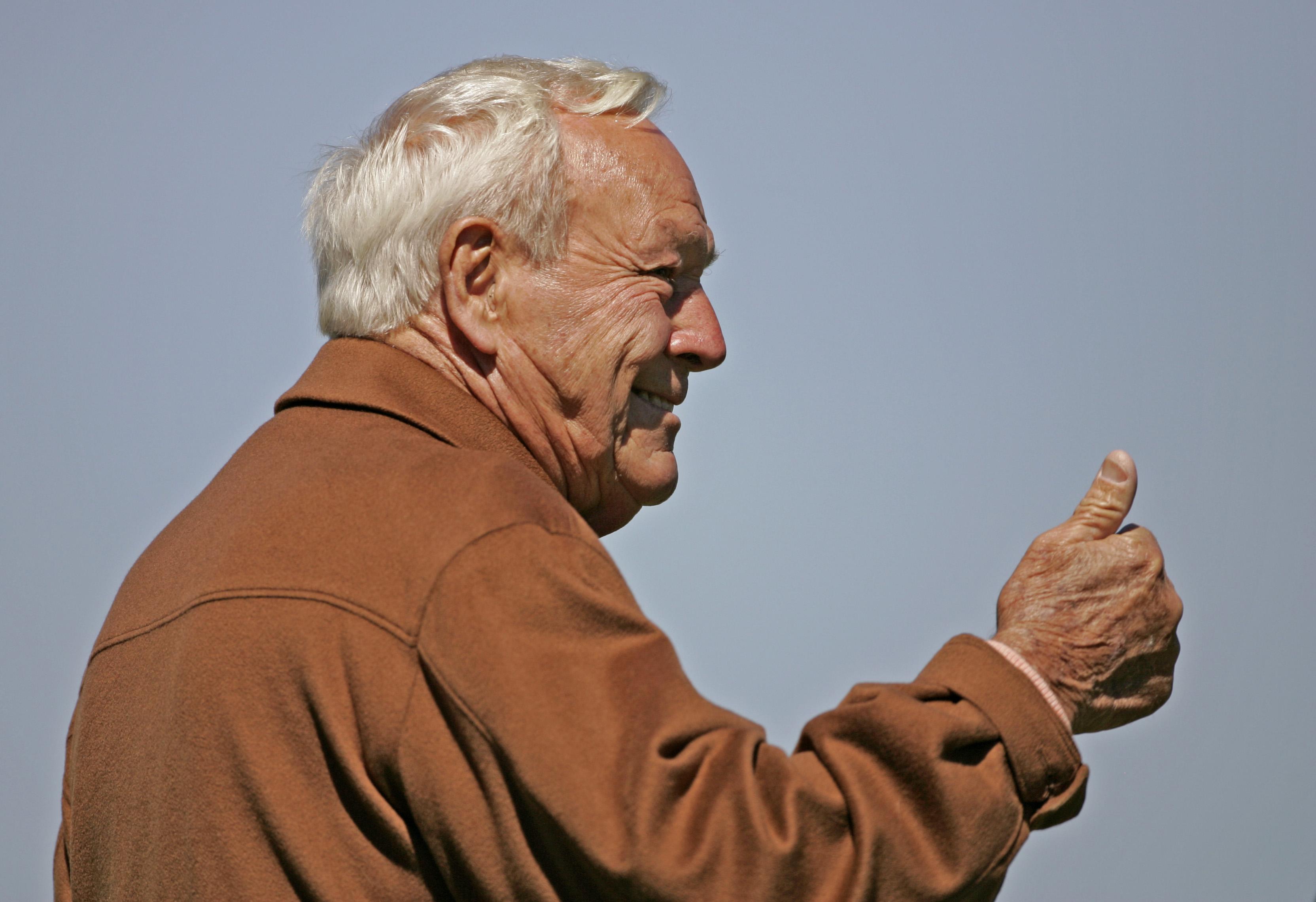 Arnold Palmer collected an astounding amount of golf memorabilia throughout his legendary career.