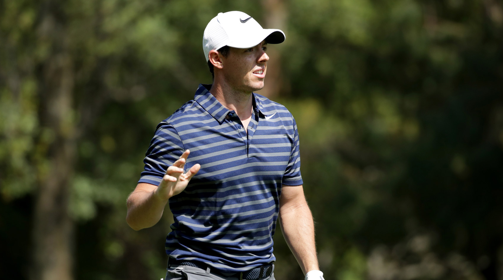 Rory McIlroy thanks the crowd Friday during the second round of the WGC-Mexico Championship.