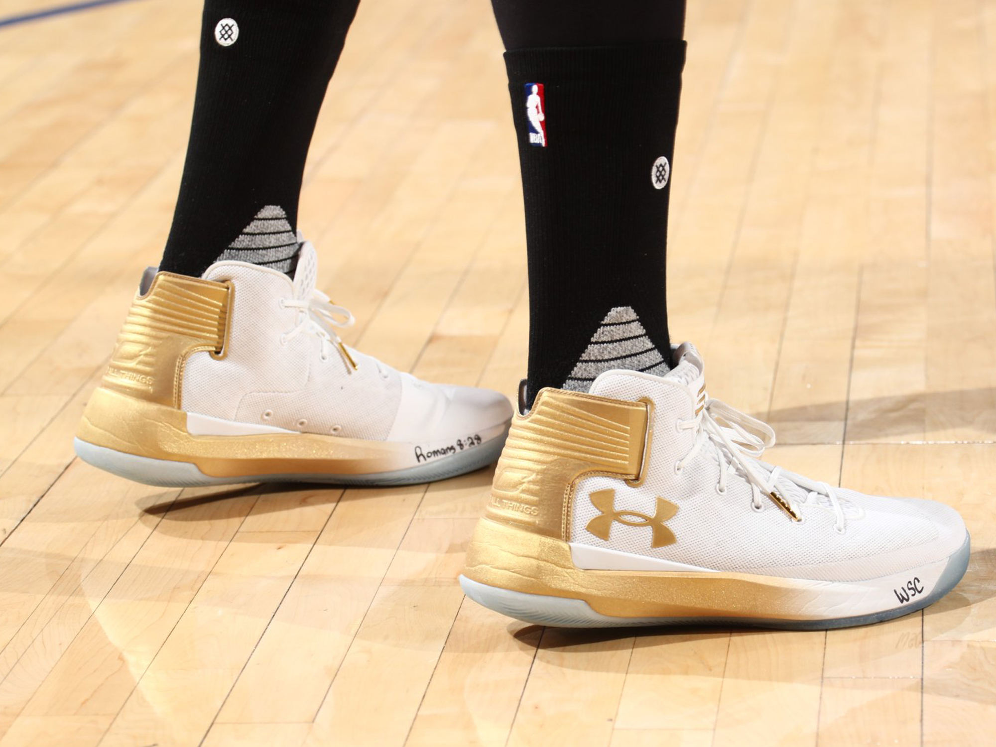 LeBron James, Stephen Curry and the Best Sneakers from NBA Media