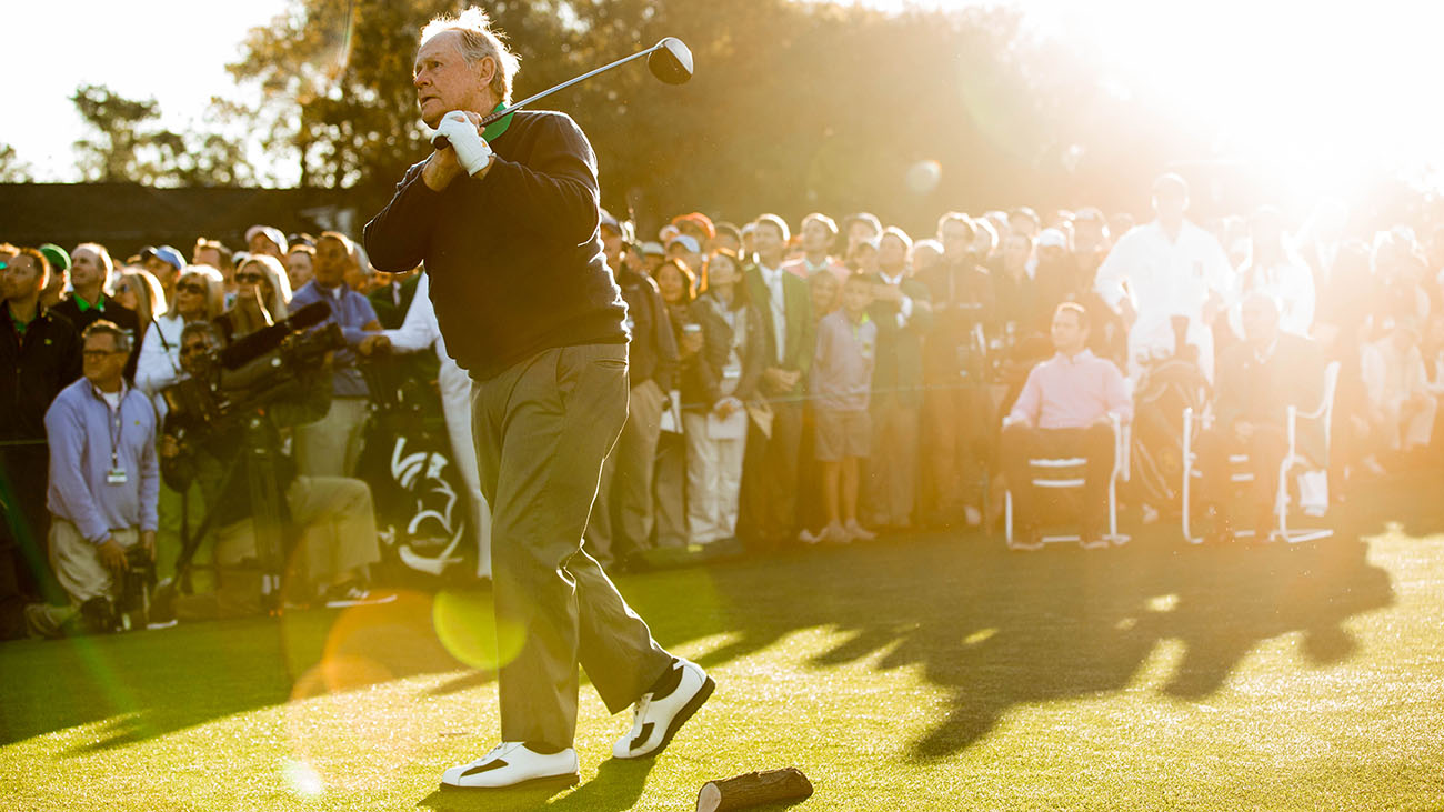 Jack Nicklaus hits the ceremonial tee shot ahead of the 2016 Masters.