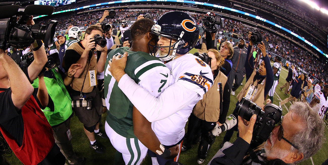 If the Jets sign Jay Cutler, he'd likely duke it out in training camp with Geno Smith for the starting job.