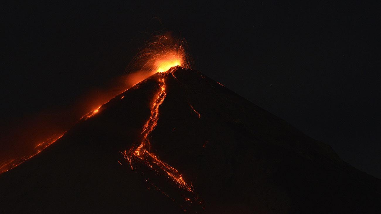 watch  volcano erupts near pga tour latinoamerica event