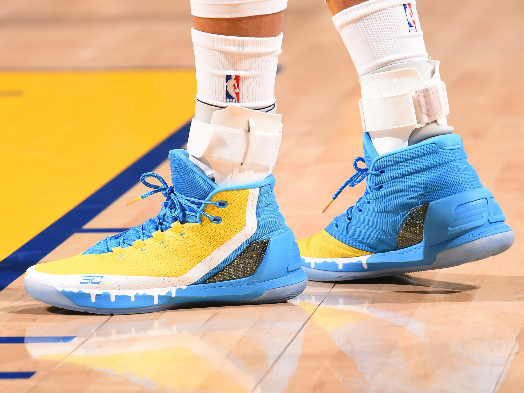 4c4de1889db4 NBA Sneakers Roundup  Curry birthday