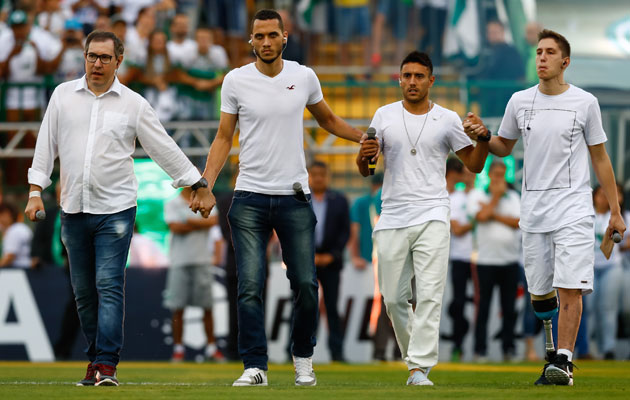 Survivors of Chapecoense's plane crash speak at the Recopa Sudamericana