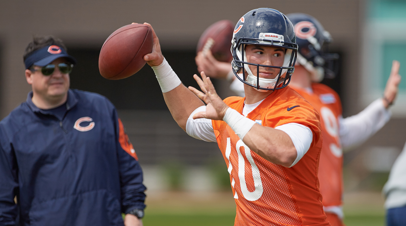 Mitchell Trubisky practices under the eye of Bears coaches during rookie camp.