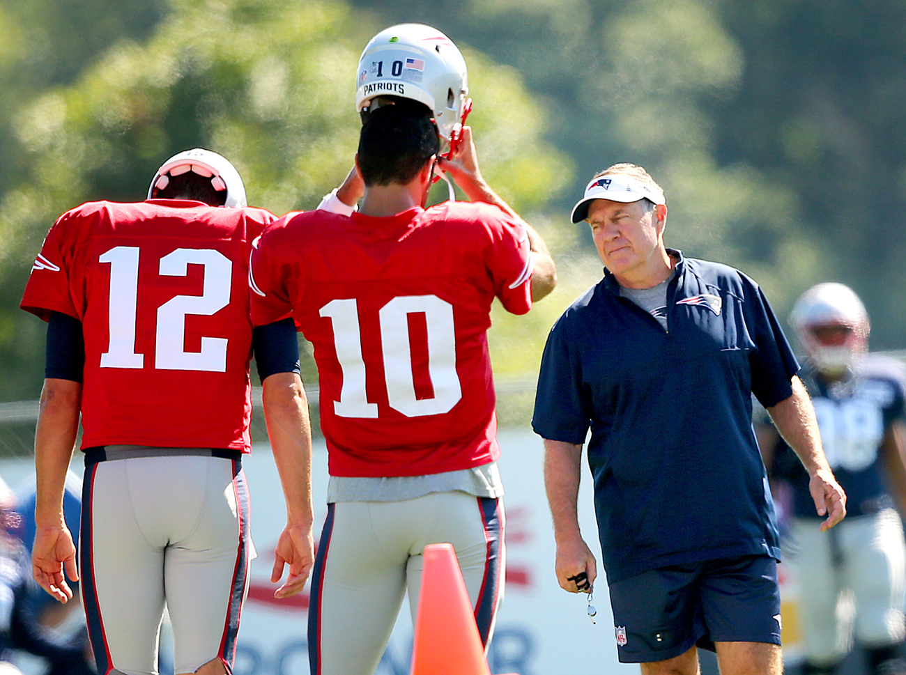 Bill Belichick opted to keep Jimmy Garoppolo rather than trade the backup quarterback, even with Tom Brady on the roster.