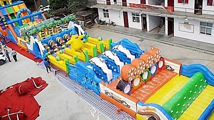 Brazen thief steals 180-foot inflatable obstacle course