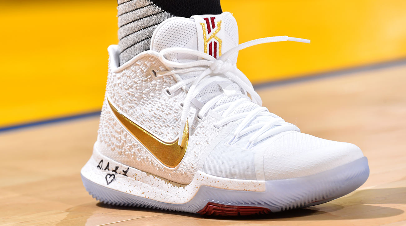 new styles a1e7c 1c0ca 2017 NBA Finals  Best Sneakers From LeBron, Curry And More   SI.com