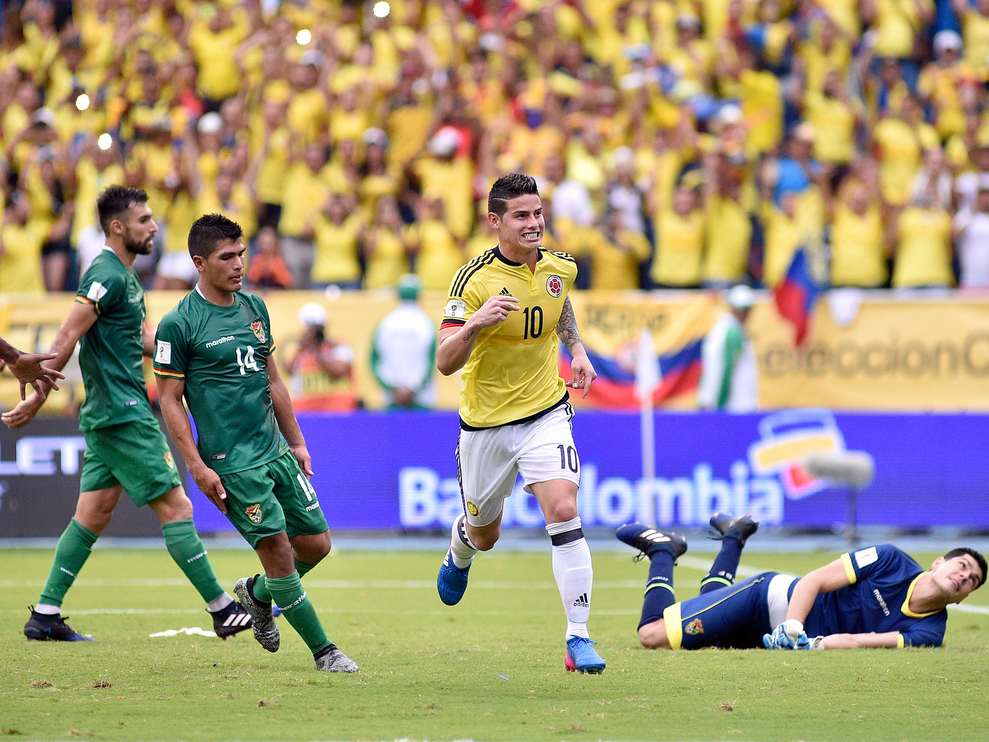 James Rodriguez stars for Colombia in World Cup qualifying
