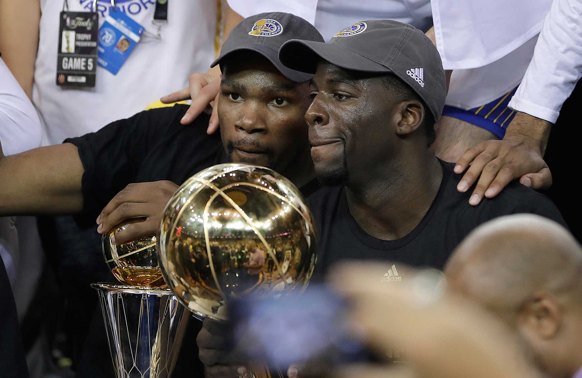 Kevin Durant And The Warriors  The Text That Started An NBA Dynasty ... 0ffa3e028