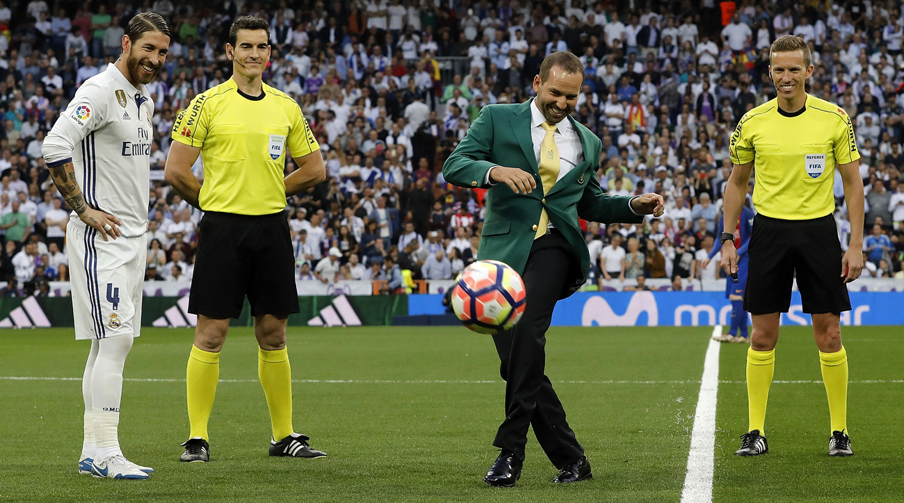 Sergio Garcia makes the opening kick before the April match between Real Madrid and Barcelona.