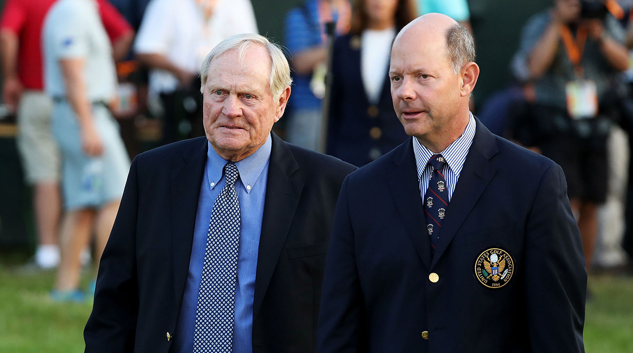 Jack Nicklaus and USGA Executive Director Mike Davis at the 2016 U.S. Open at Oakmont Country Club.