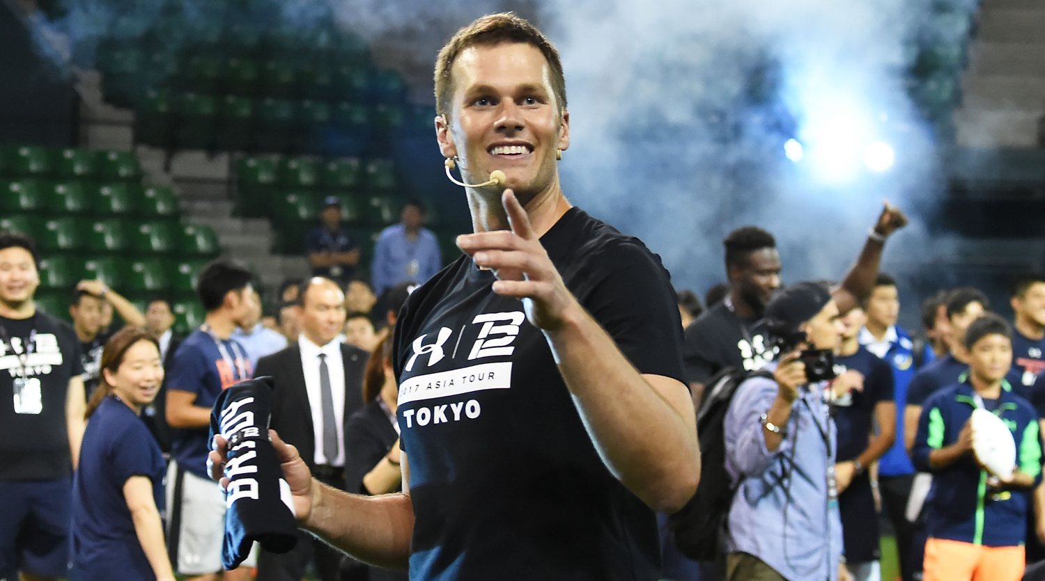Watch: Tom Brady defeats little girl in throwing contest in Japan
