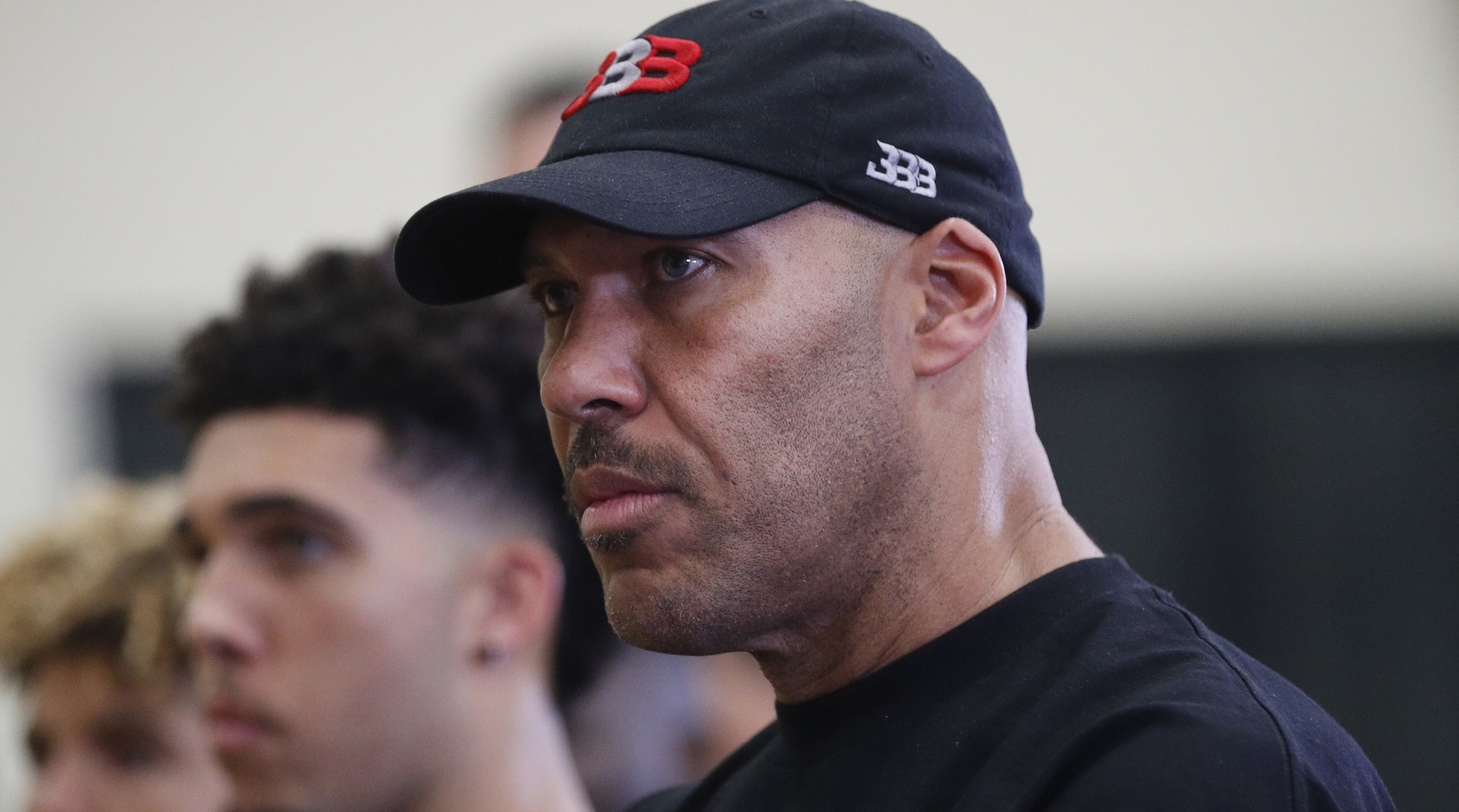 LaVar Ball's dad says his son could beat MJ one-on-one