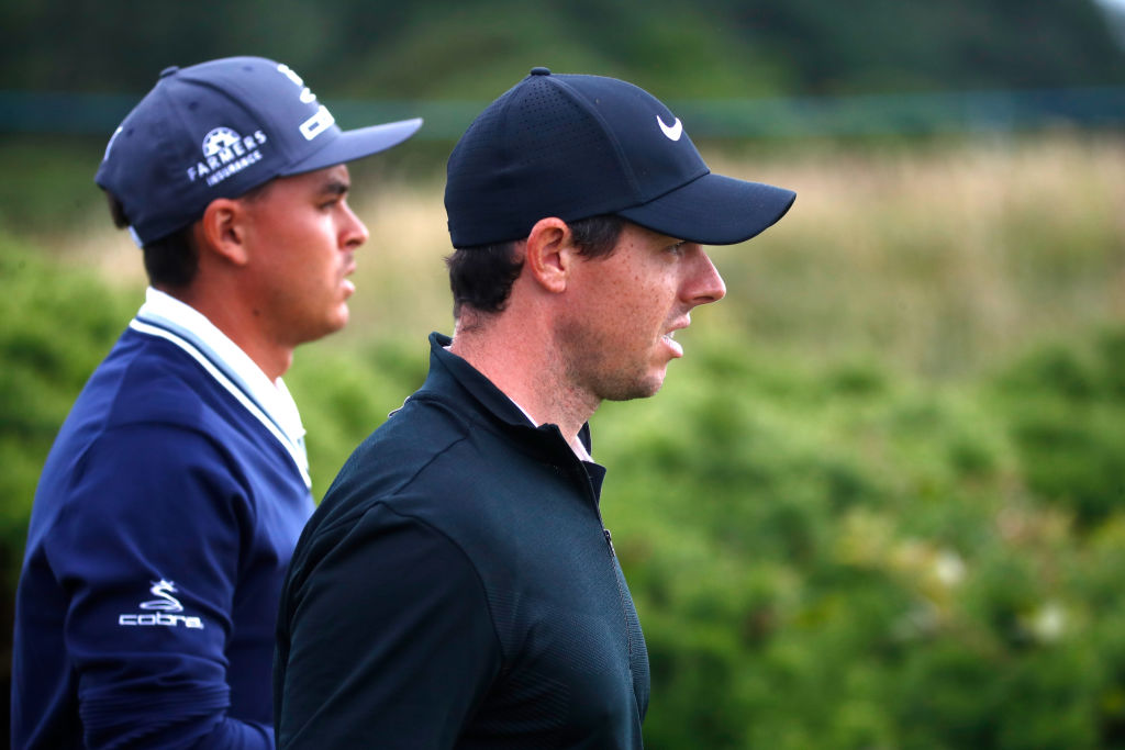 Rickie Fowler is tied for the lead, while Rory struggles after one round in Scotland.