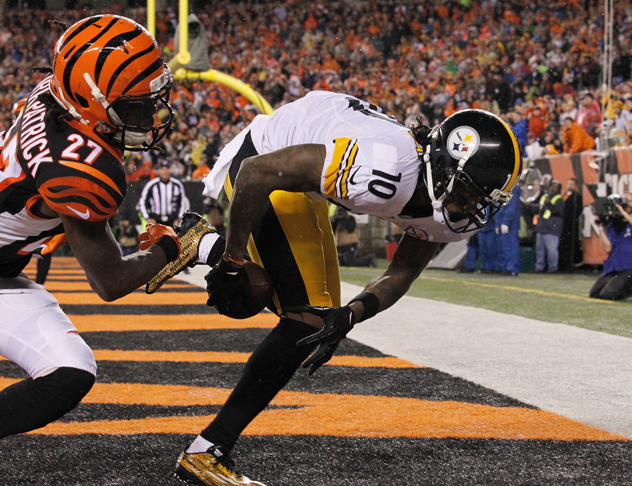 Two seasons ago, Bryant's memorable postseason included this acrobatic TD in Cincinnati.