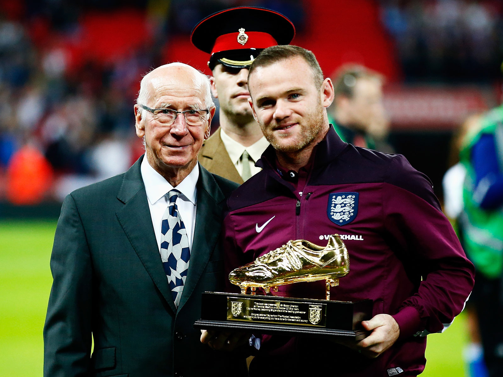 Wayne Rooney set England's all-time leading goal record