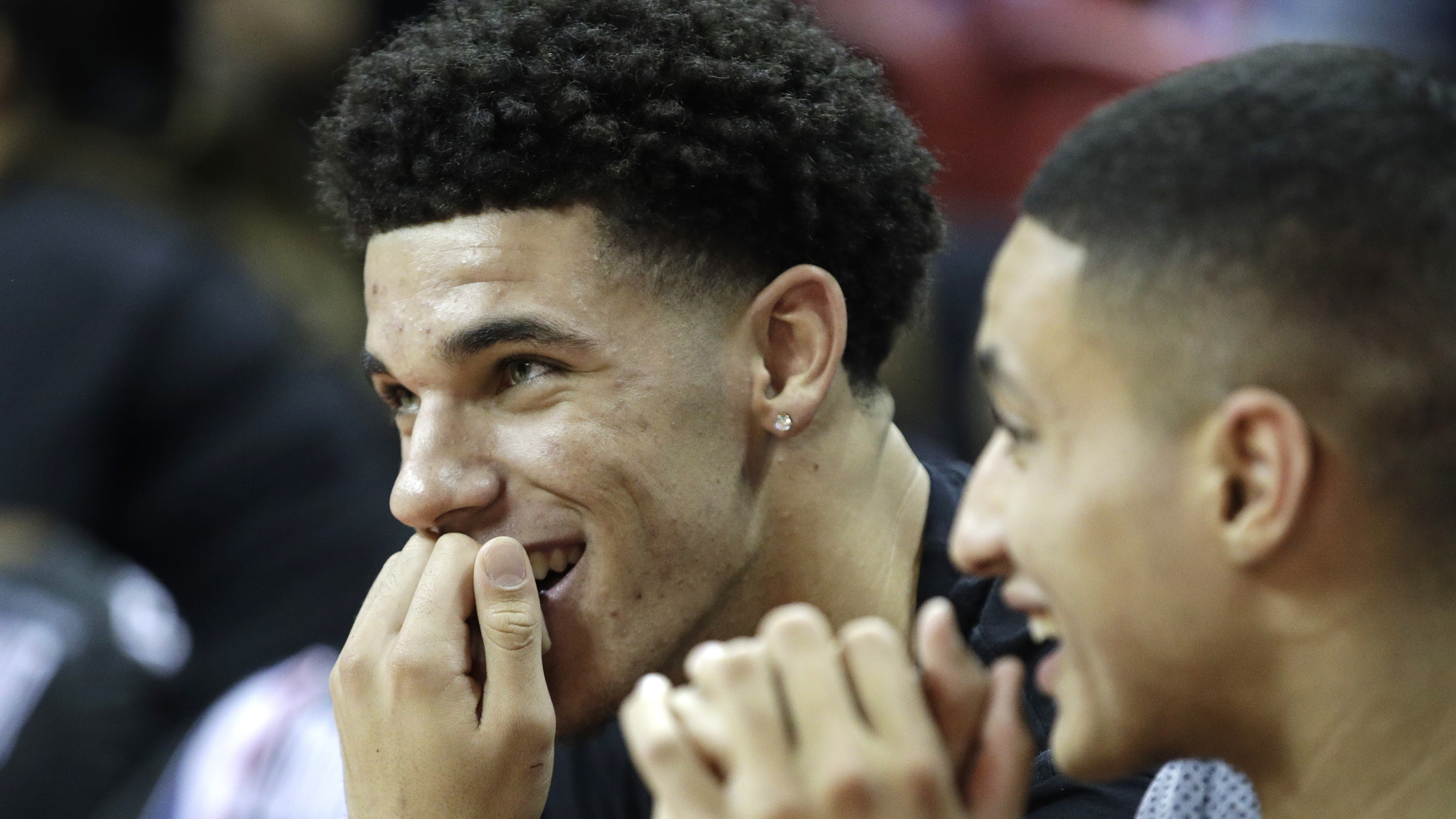Lonzo Ball will appear on the third season of Fuller House.