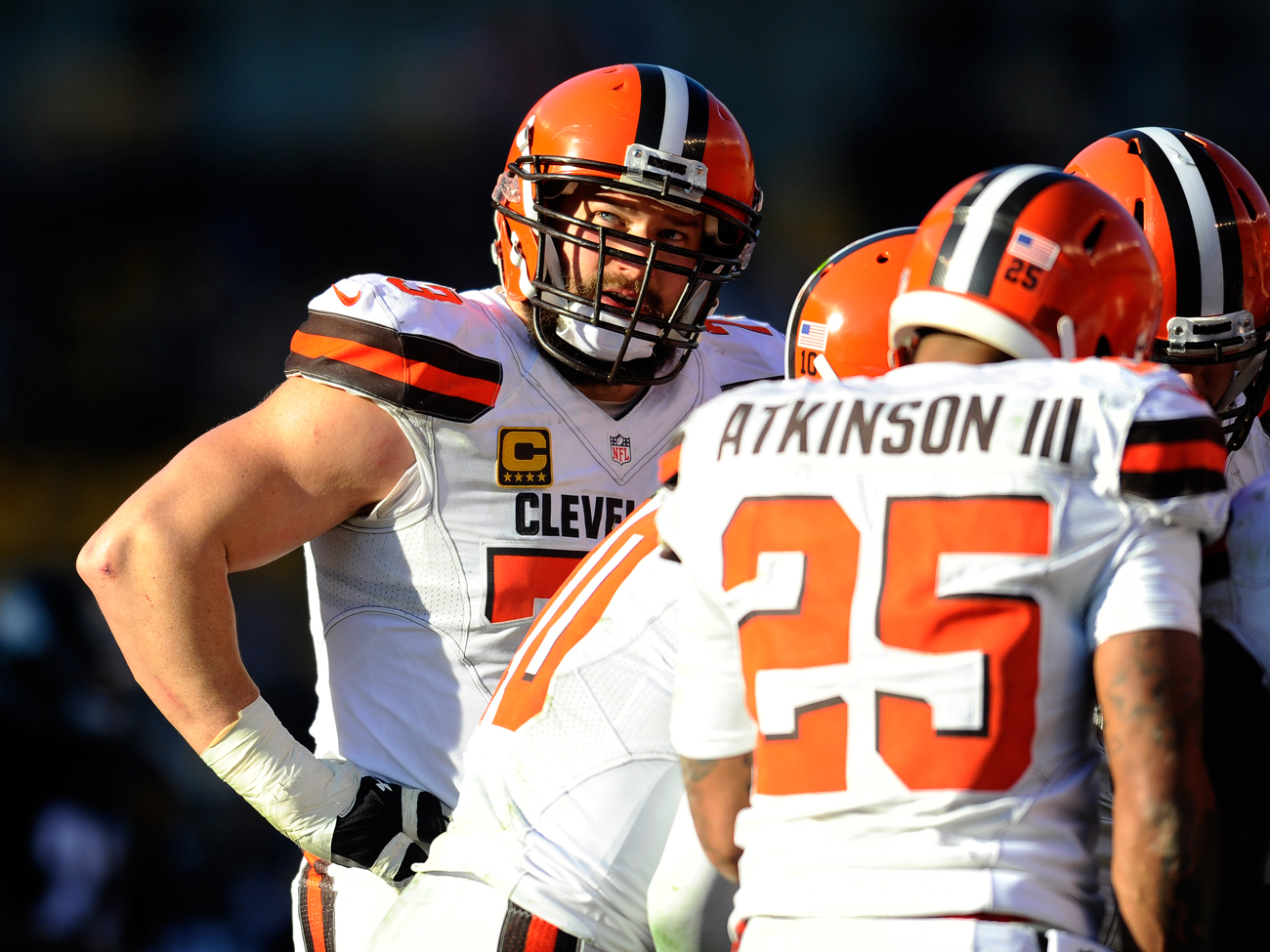 Joe Thomas (left) has seen unprecedented roster turnover during his 11-year career with the Browns.