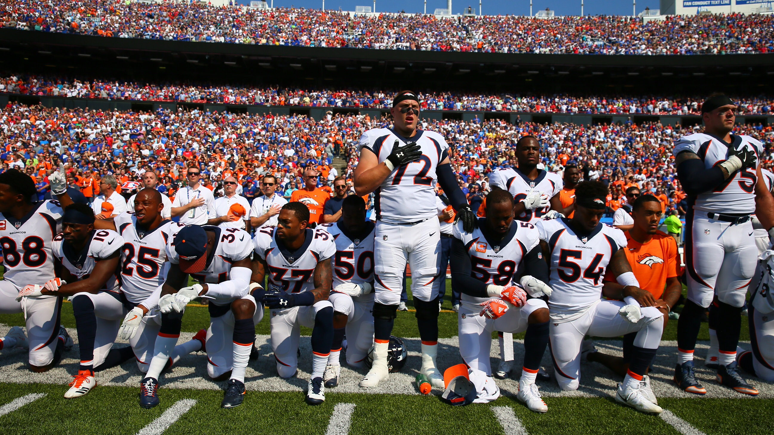 Von Miller and Demaryius Thomas among Broncos players who kneeled during  national anthem on Sunday. 7ba415eb4