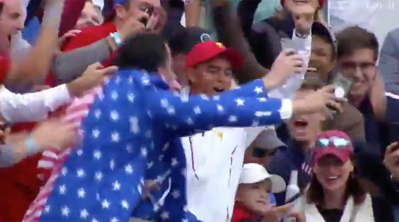 Rickie Fowler and fans at the Presidents Cup