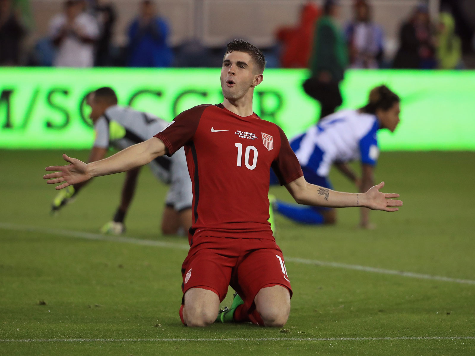 Christian Pulisic celebrates a World Cup qualifying goal vs. Honduras