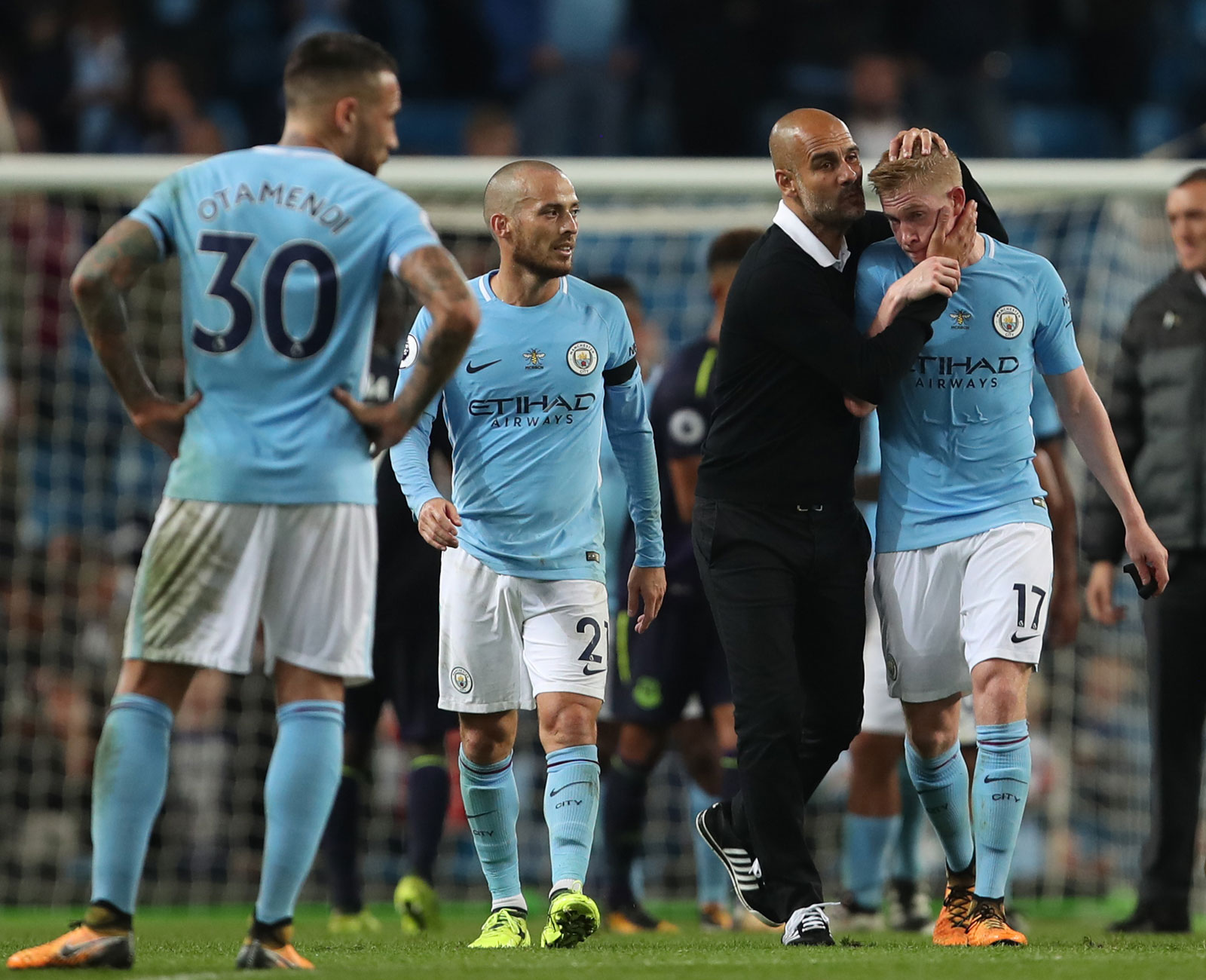 De Bruyne: Man City, United fighting for title