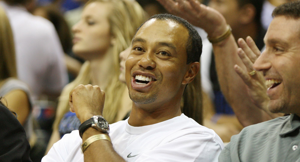 Tiger watched the Orlando Magic face the Philadelphia 76ers in October 2009.