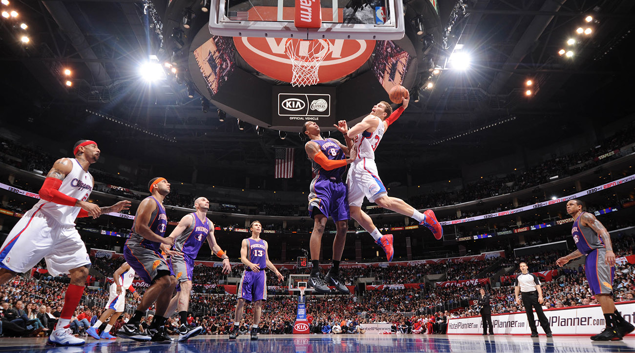 Blake Griffin skies for a dunk against the Phoenix Suns and flushes over Channing Frye.