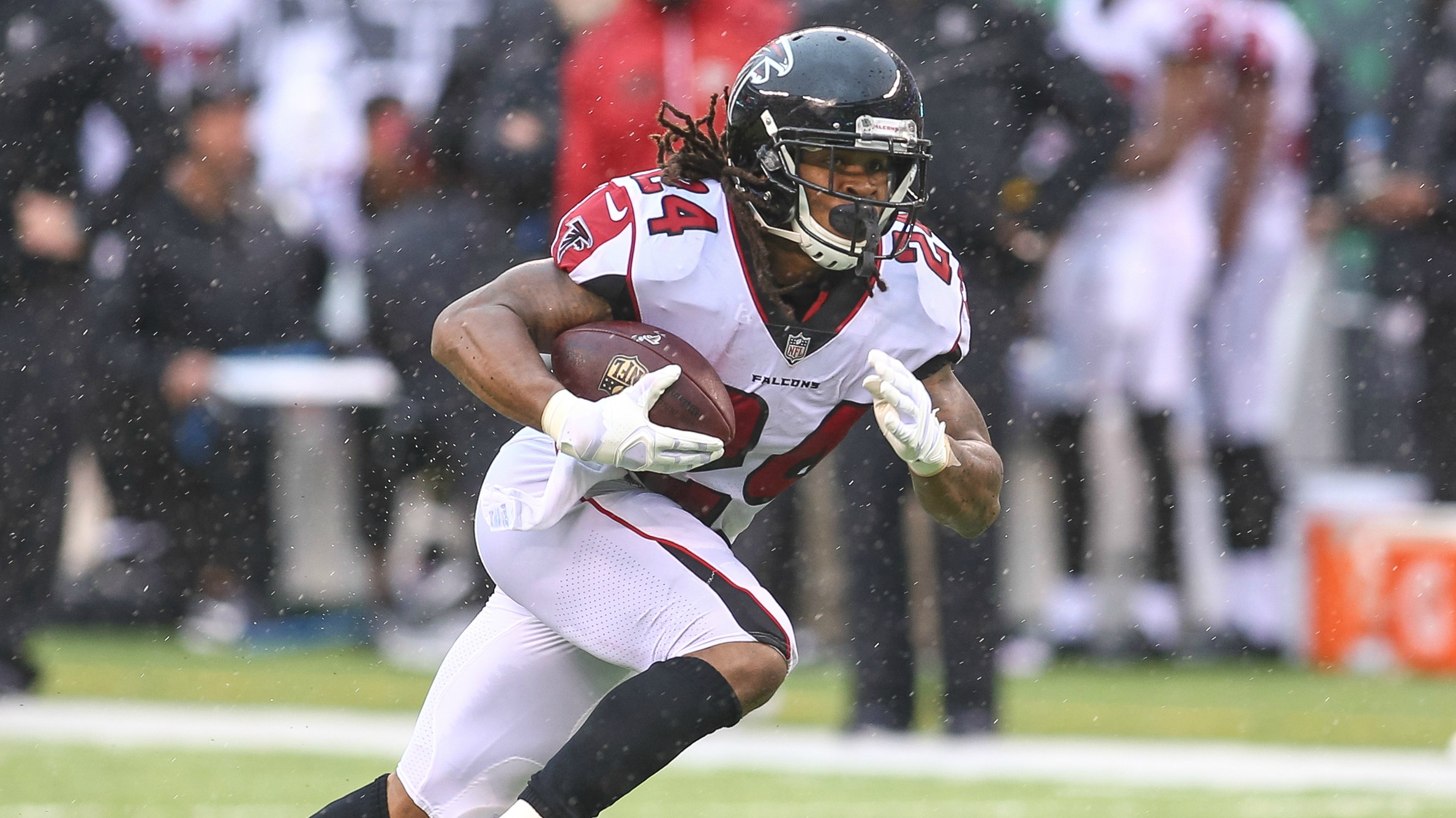 Devonta Freeman Falcons RB out with concussion