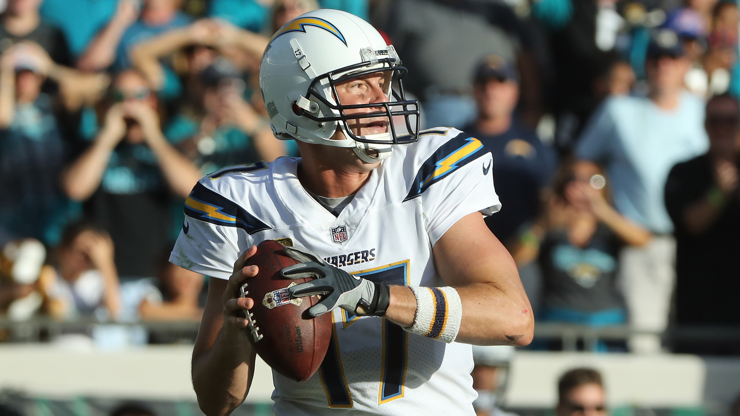 Philip Rivers injury Chargers QB in concussion protocol