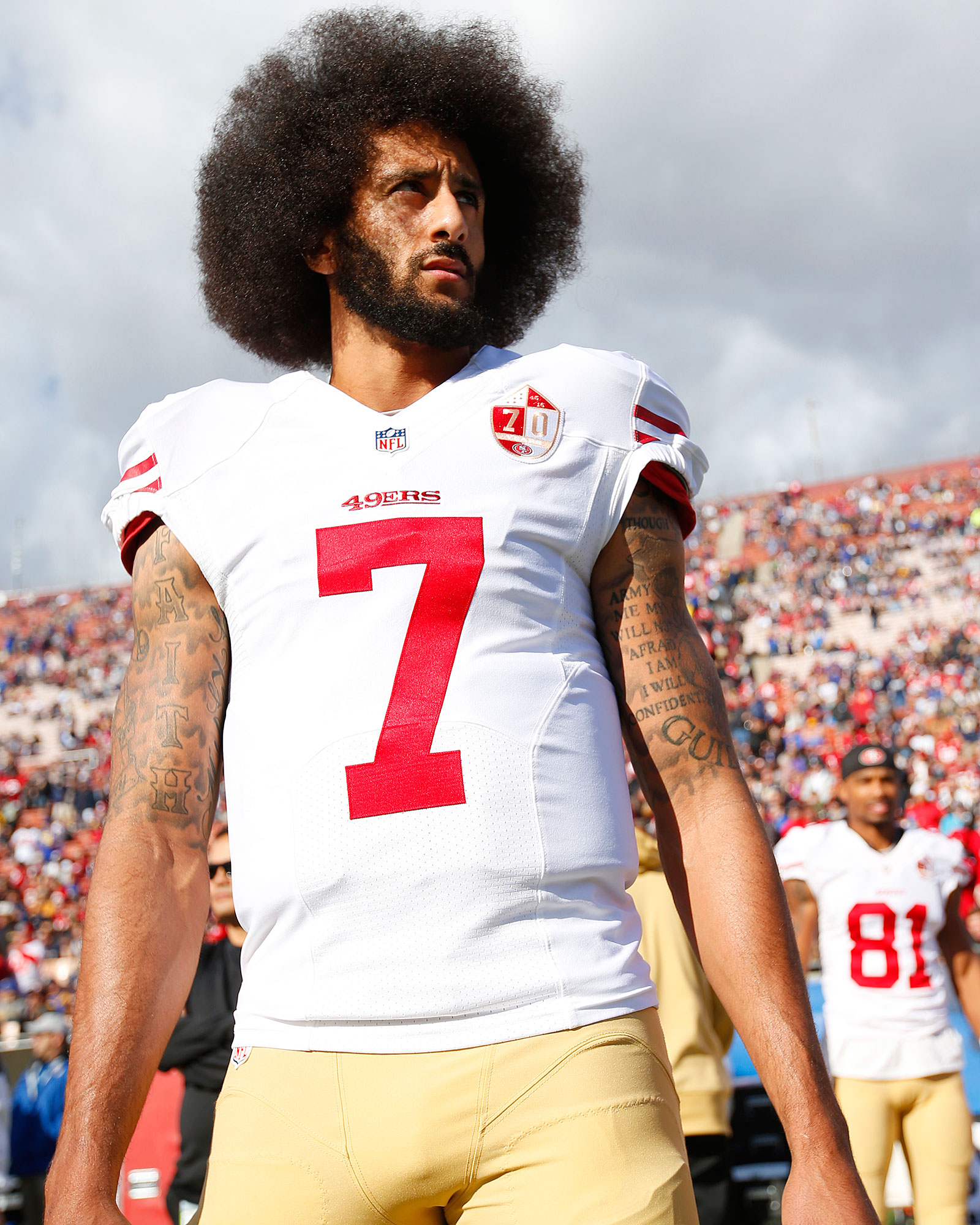Beyonce Presents Sports Illustrated Award to Colin Kaepernick