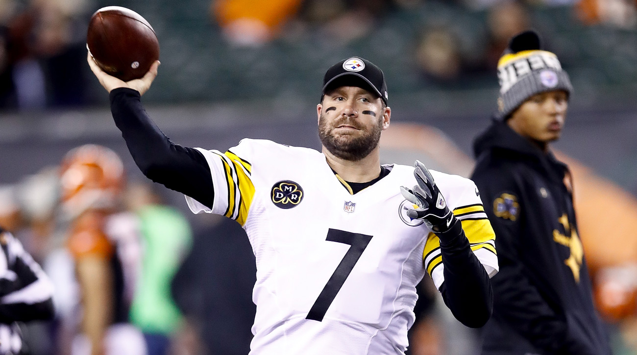 Ben Roethlisberger of the Pittsburgh Steelers warms up prior to the game against the Cincinnati Bengals.