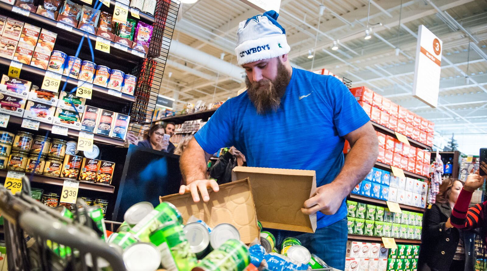 Cowboys center Travis Frederick.