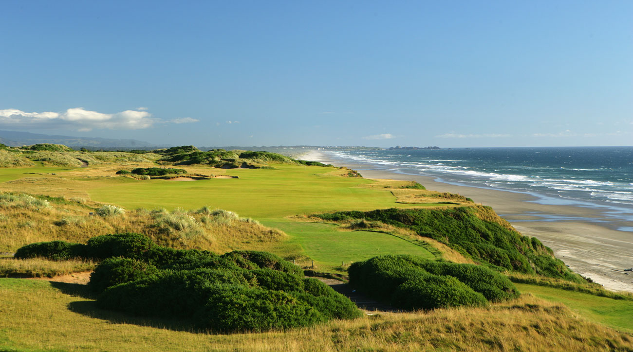 The 463-yard, par-4 4th hole at Pacific Dunes, designed by Tom Doak at the Bandon Dunes Golf Resort.