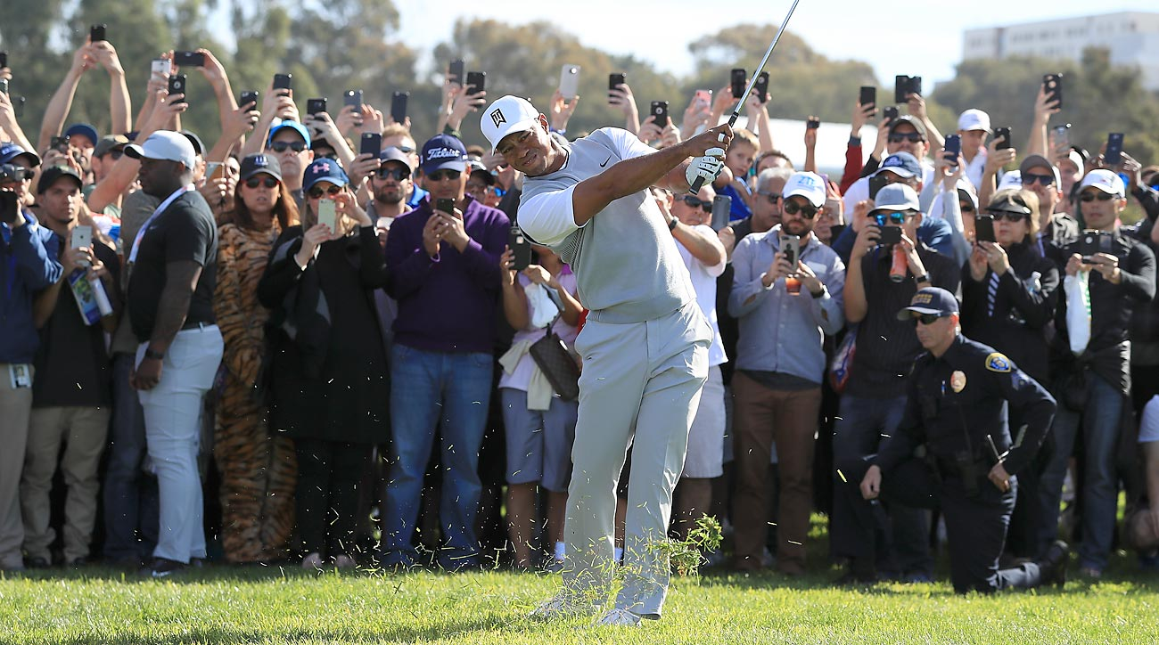 Woods made four birdies and two bogeys in his third round at the Farmers Insurance Open.